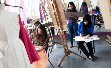 Fashion Design study in the UK - SI-UK 7